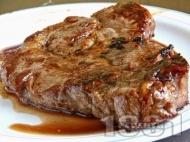 Крехки сочни и вкусни свински вратни пържоли на скара с бира, кафе и сметана на тиган